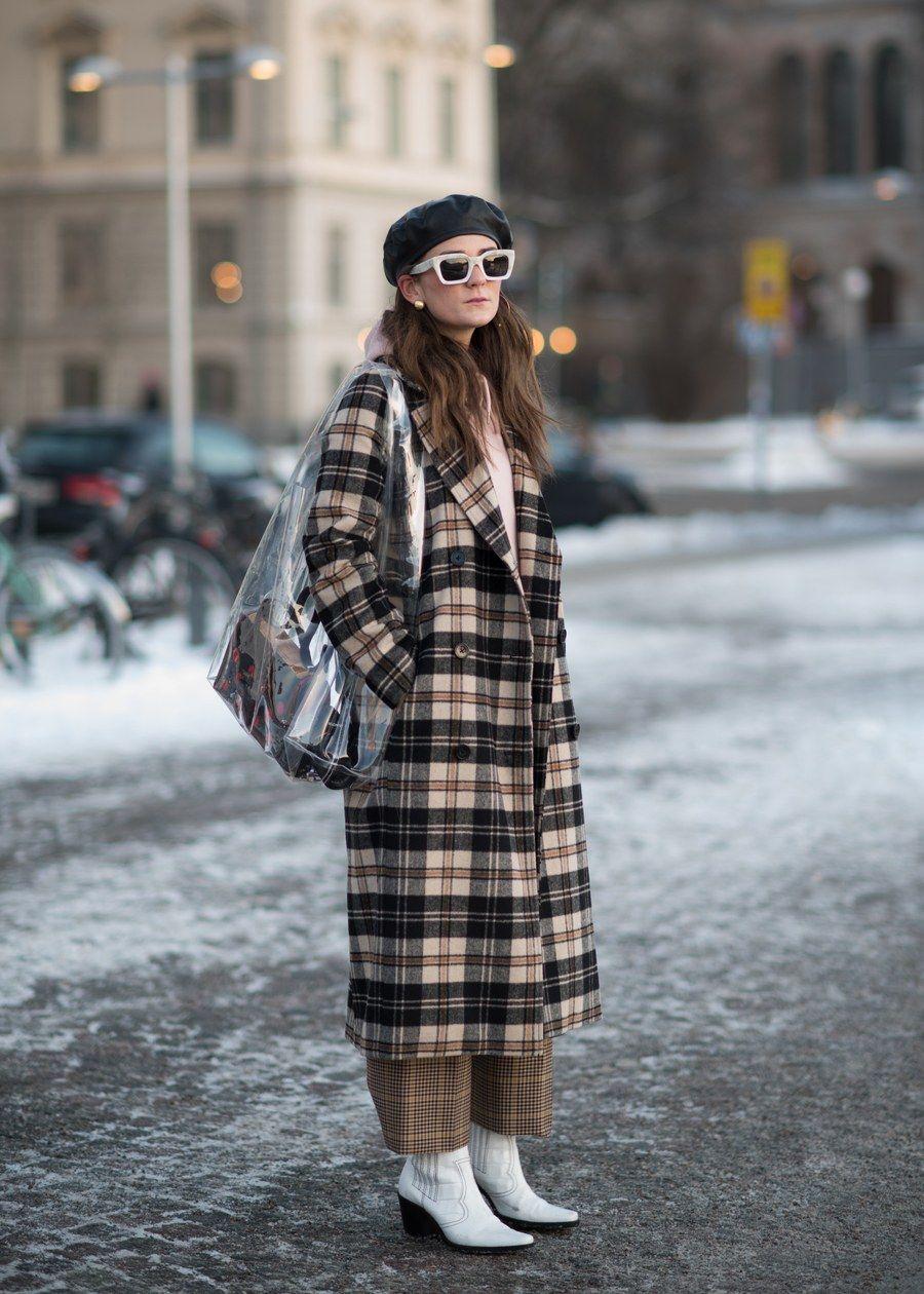 Le manteau à carreaux